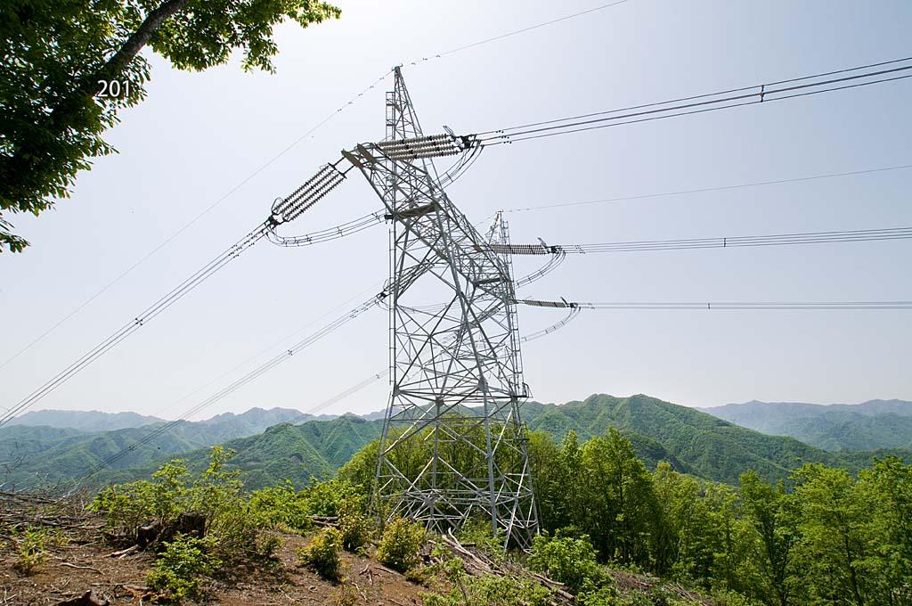 写真:「4連碍子の安曇幹線1号線201号(2011年5月撮影)」へリンク