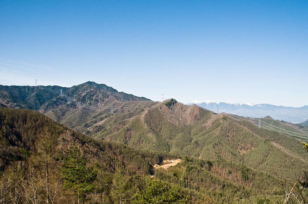 写真:「御座山を越える西群馬幹線(西群馬幹線114、113、112、111、110、109、108、107号)」へリンク